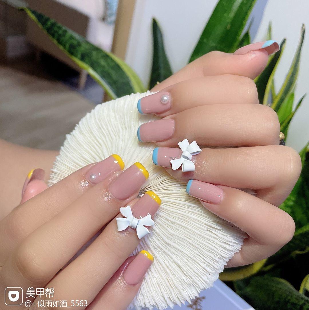 法式蝴蝶结豆沙粉法式蝴蝶美甲💅🏻美甲图片