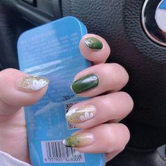 绿色圆形夏天花朵美甲图片