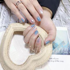 蓝色方圆形夏天跳色短指甲上班族简约美甲图片