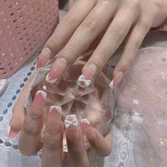 裸色方圆形格纹简约渐变白色线条粉色美甲图片