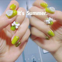 绿色方圆形夏天短指甲简约珍珠蝴蝶结牛油果美甲图片