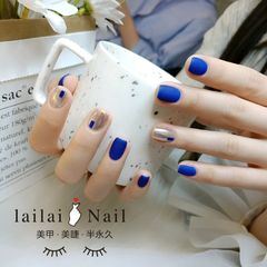 蓝色方圆形磨砂魔镜粉美甲图片