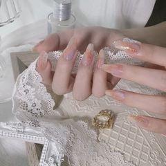 裸色异形晕染渐变简约新娘上班族金箔美甲图片