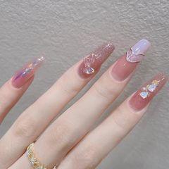 粉色蝴蝶结美甲图片