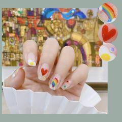 彩色彩虹美甲图片