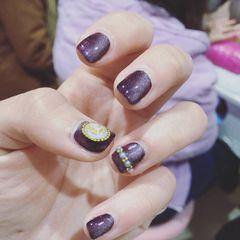 纯色紫色简约猫眼美甲图片