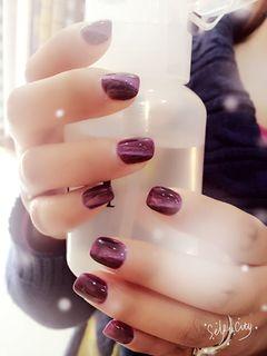 紫色纯色猫眼美甲图片