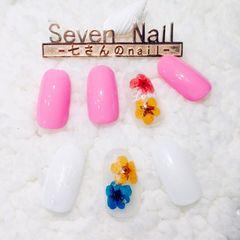 粉色白色甲片春天简约干花美图达人兔子酱美甲图片