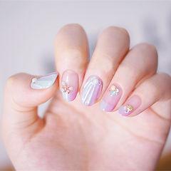 圆形紫色粉色贝壳珍珠法式美甲图片