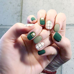 方圆形绿色白色格子磨砂跳色绿色系美甲美甲图片