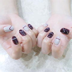 圆形紫色灰色线条简约美甲图片