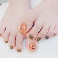 脚部橙色绿色手绘可爱韩式表情美甲图片