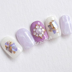方圆形紫色白色晕染贝壳片金箔钻美甲图片