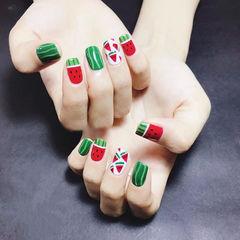 方圆形红色绿色白色手绘可爱夏天水果西瓜美甲图片