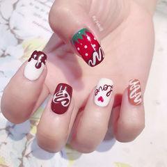 方圆形红色白色手绘可爱夏天巧克力草莓分享ins图片美甲图片