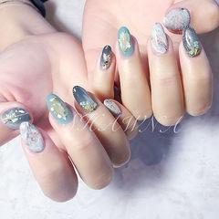 圆形蓝色绿色灰色手绘晕染贝壳片石纹日式美甲图片