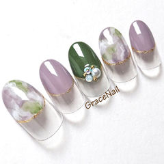 圆形紫色绿色晕染珍珠圆法式美甲图片