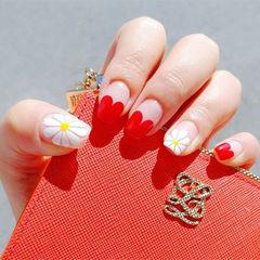 方圆形红色白色手绘花朵雏菊心形法式雏菊美甲美甲图片