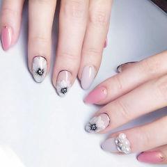 尖形裸色粉色白色手绘花朵日式钻珍珠美甲图片