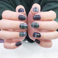 方圆形黑色绿色格纹磨砂美甲图片