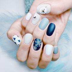 方圆形蓝色灰色白色雪花可爱磨砂美甲图片