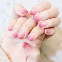 方圆形粉色渐变简约新娘美甲图片