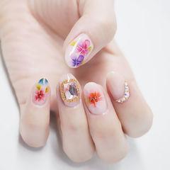 圆形裸色红色粉色紫色手绘花朵钻日式美甲图片