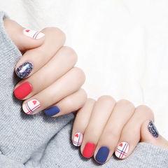 方圆形红色蓝色白色银色线条磨砂美甲图片