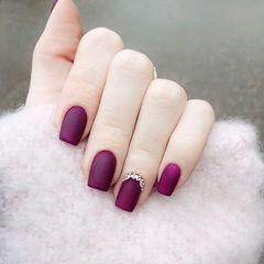 方形紫色钻显白磨砂美甲图片