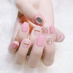方圆形粉色裸色金银线钻心形新娘美甲图片