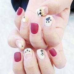 方圆形红色白色裸色手绘可爱柴犬磨砂美甲图片