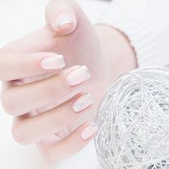 方圆形裸色银色钻法式简约新娘上班族上班族专题透明感美甲美甲图片