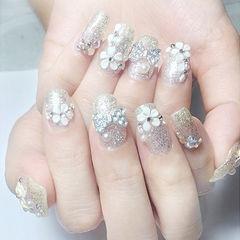方圆形银色雕花珍珠钻日式新娘美甲图片