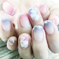方圆形粉色灰色渐变手绘花朵法式日式美甲图片