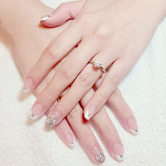 方圆形白色银色钻法式简约新娘百搭经典款白色新娘甲美甲图片