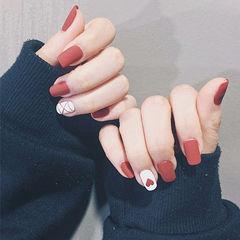 方圆形红色白色手绘心形新娘手绘美甲入门级手绘美甲美甲图片