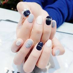 圆形蓝色灰色白色金银线珍珠美甲图片