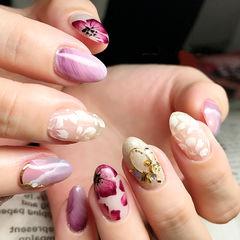 紫色粉色圆形新娘晕染手绘花朵日式美甲图片
