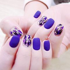 方圆形紫色晕染金箔磨砂美甲图片