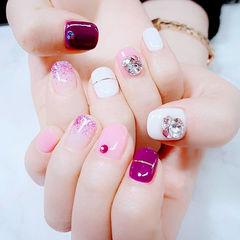 方圆形粉色白色紫色金银线钻美甲图片