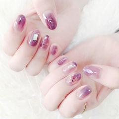 圆形紫色晕染日式贝壳片美甲图片