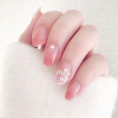 圆形粉色渐变印花简约上班族优雅美甲图片