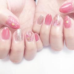 圆形粉色银色手绘日式晕染新娘春天少女心美甲图片