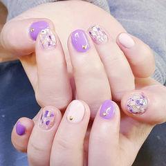 圆形紫色白色贝壳片金箔短指甲美甲图片