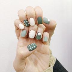 方圆形绿色白色格子珍珠磨砂美甲图片