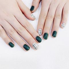 圆形绿色白色格纹磨砂美甲图片