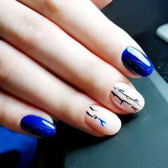 圆形蓝色裸色手绘钻花朵简约美甲图片