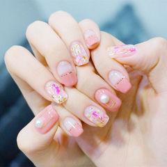 方圆形粉色金银线晕染金箔珍珠平法式金箔美甲平法式美甲美甲图片