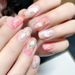 圆形粉色白色晕染日式贝壳片金箔美甲图片