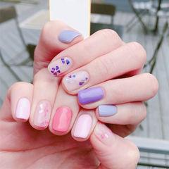 方圆形紫色粉色贝壳片跳色美甲图片